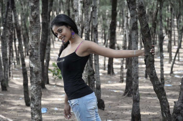 Bindu Madhavi Pics Veppam Sega gallery pictures