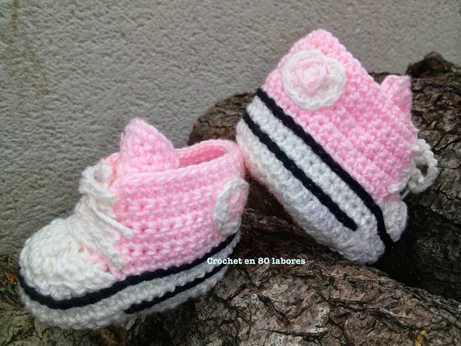 Crochet en 80 labores mi versi n de las botitas converse - Labores de crochet para bebes ...