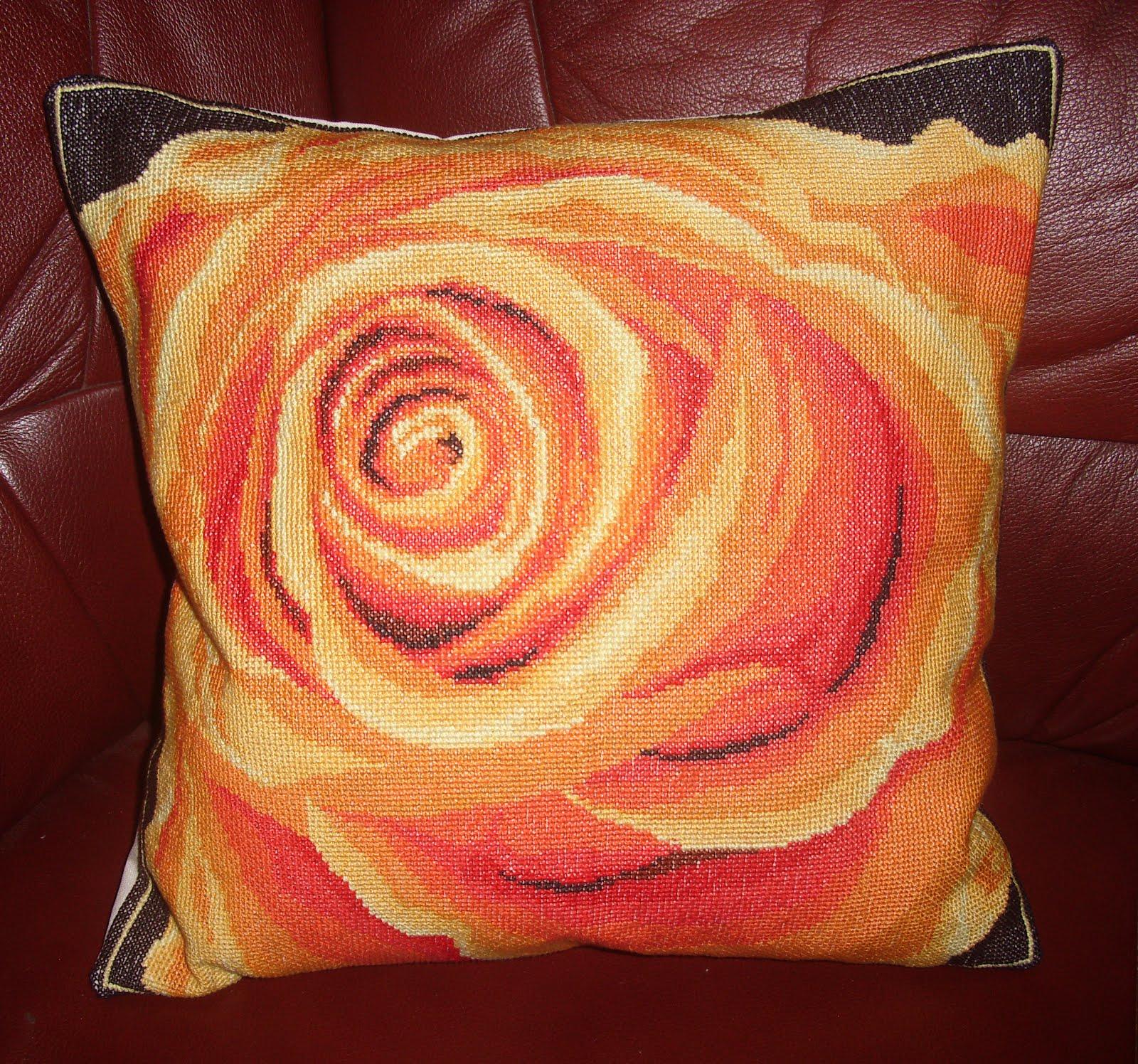 Poduszka z różą