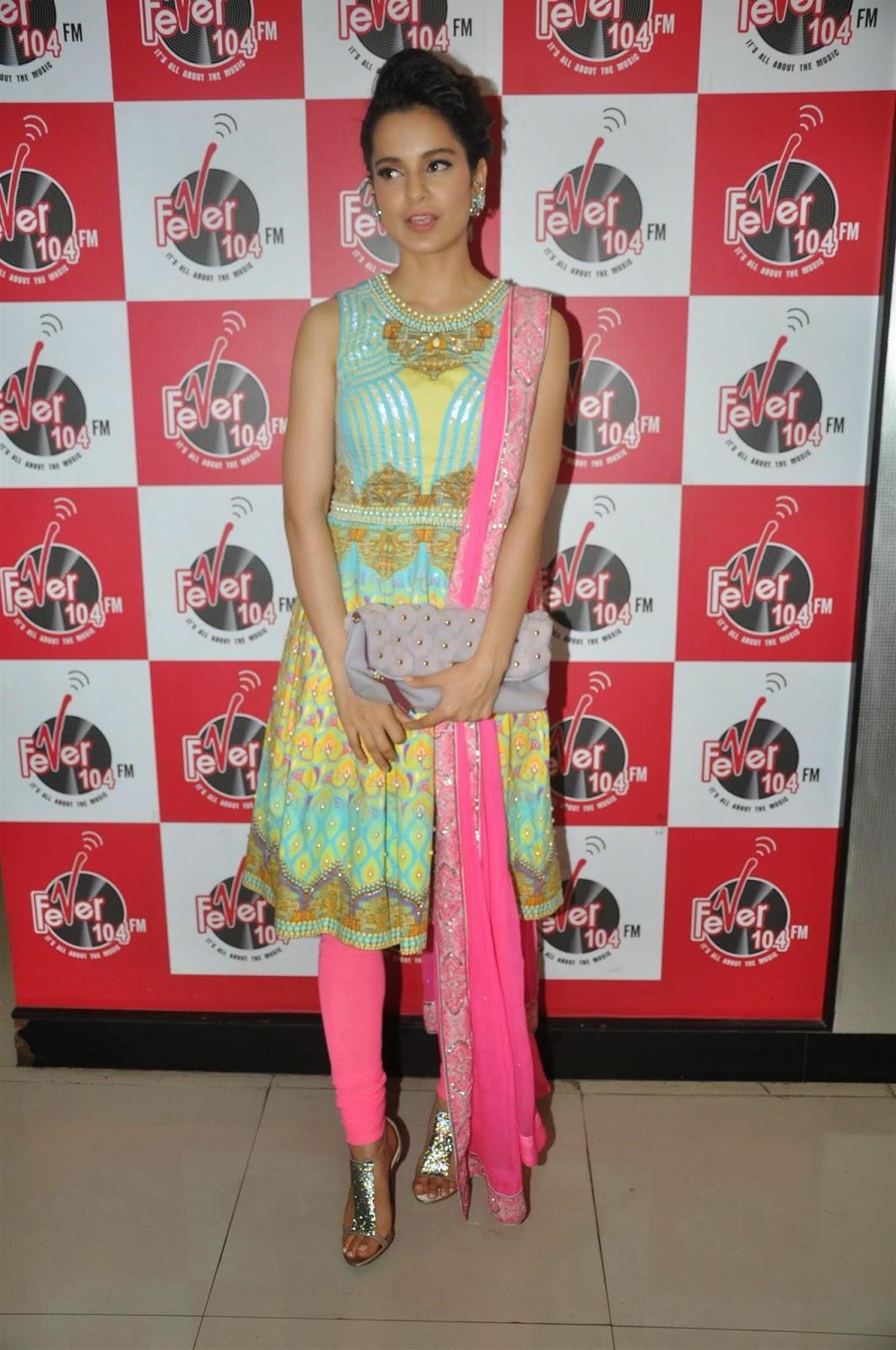 Mirchi Stills: Kangana Ranaut Promotes Queen Movie At Fever 104 FM