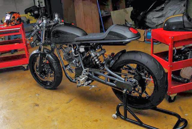 Carbone mono racer MBC-+Moto
