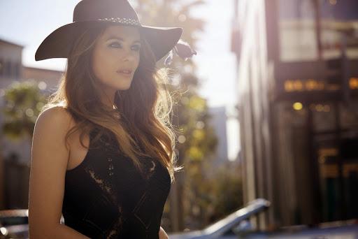Elizabeth Hurley Genlux Magazine Spring 2015 Photo