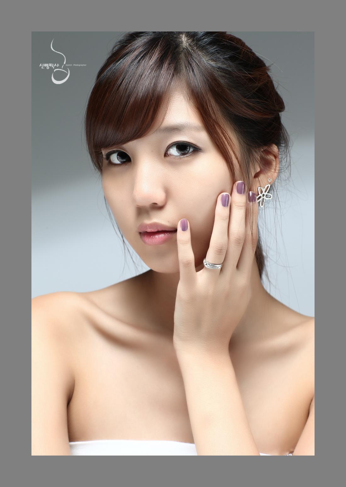 Download this Han Eun Cute Korean Model picture