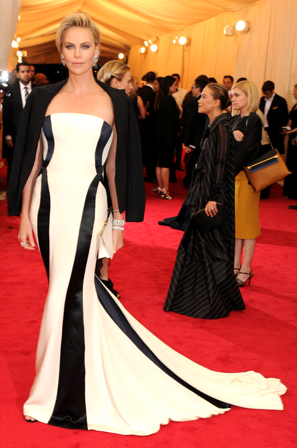 Charlize Theron - Met 2014 Baile Melhores Looks