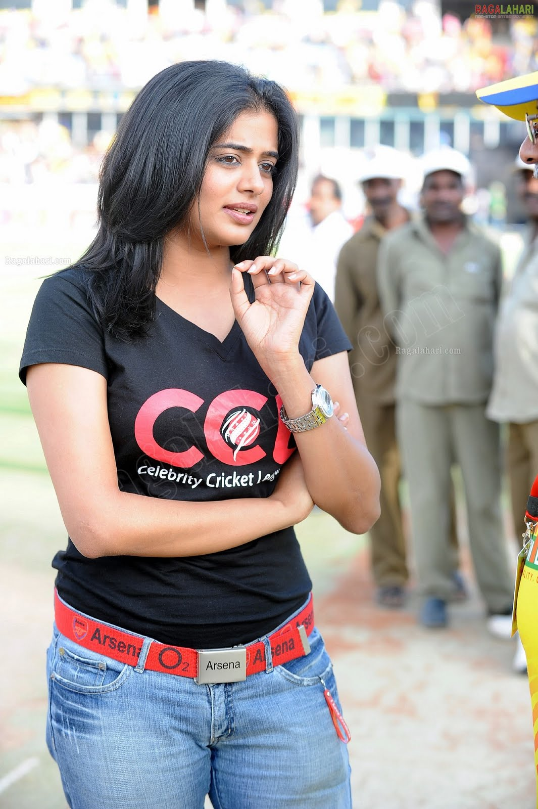 http://3.bp.blogspot.com/-D4LH7hCHTAk/TfoL82yXK-I/AAAAAAAAISo/j2_drwhVeKM/s1600/priyamani-high-resolution-celebrity-cricket-league1-0011_indian%2Bmasala_01indianmasala.blogspot.com.jpg