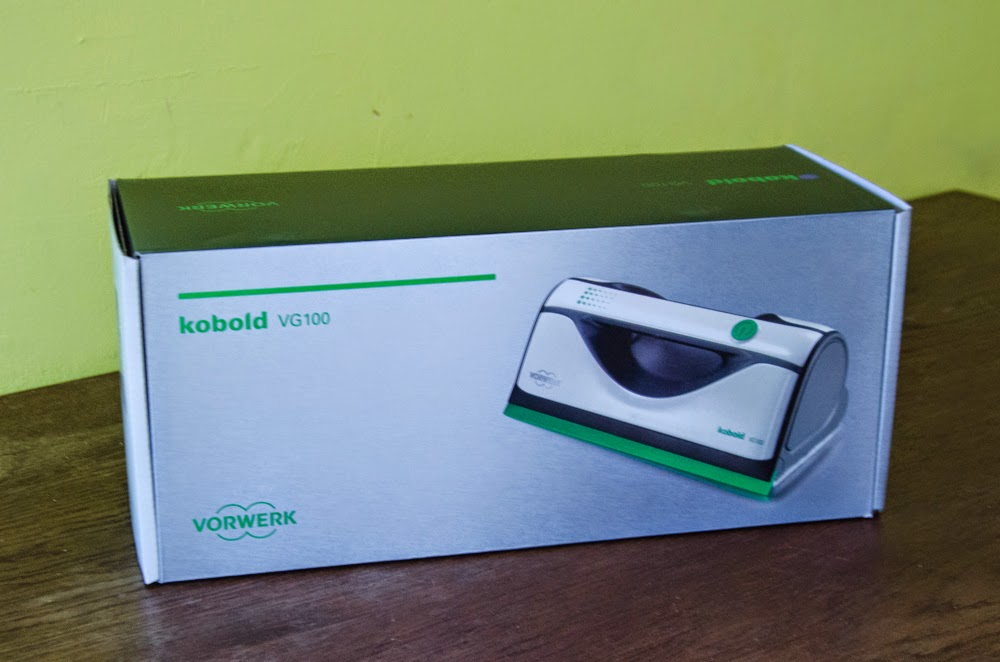 testehexe test 7 vorwerk kobold vg 100 fensterreiniger f r das testlabor. Black Bedroom Furniture Sets. Home Design Ideas