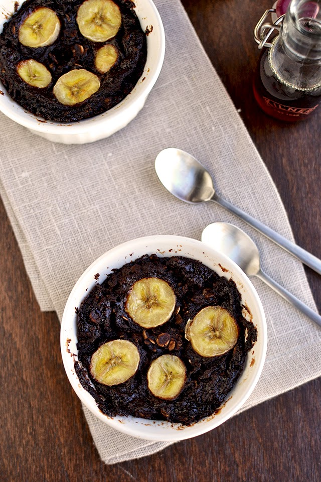 Baked Chocolate Oatmeal with Bananas