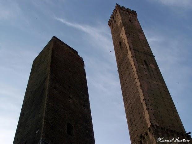 Bologna, Torri della Garisenda e degli Asinelli