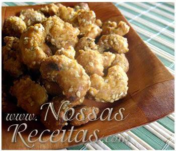 receita de castanhas caramelizadas e cobertas com gergelim