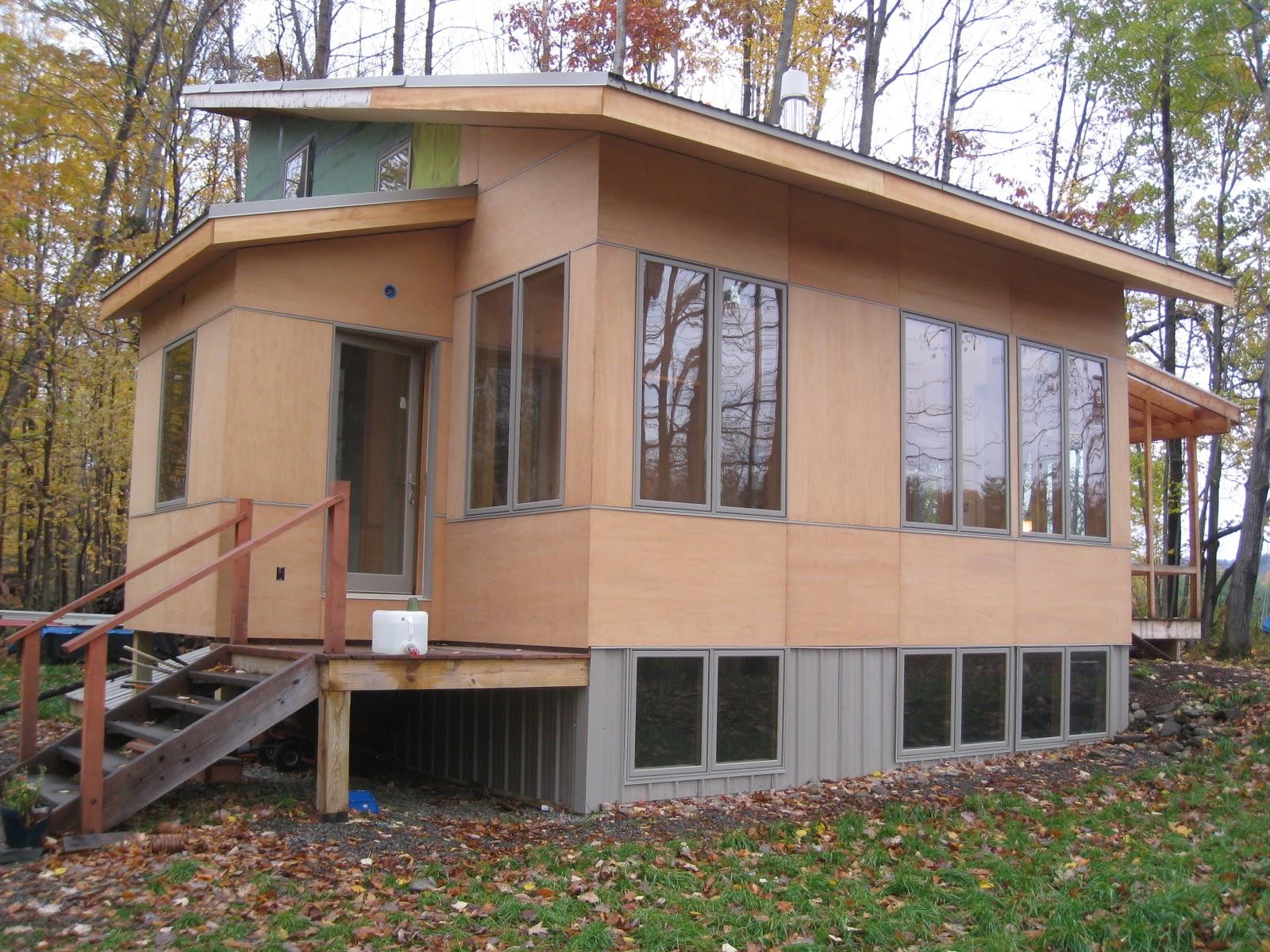Bartholomew 39 S Mini House 10 26 11 Plywood Siding