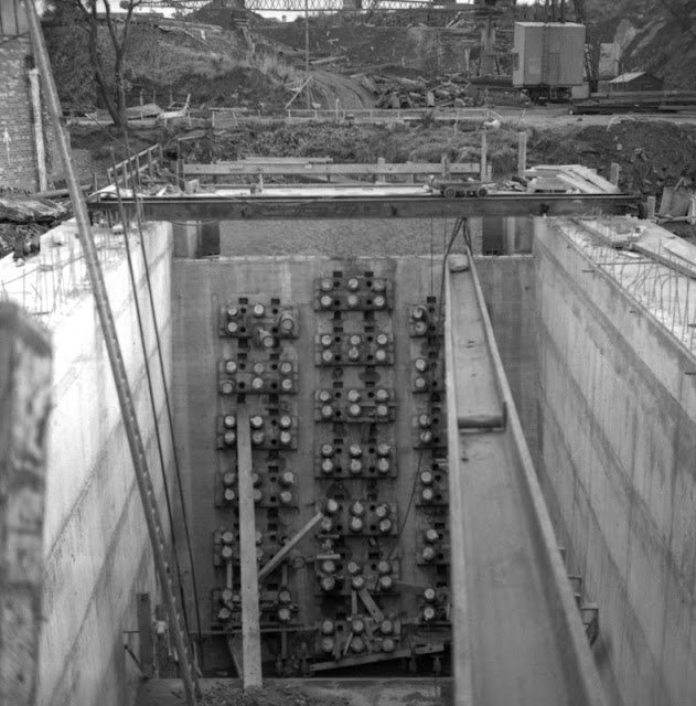 Tensioning cables. Forth Road Bridge construction.