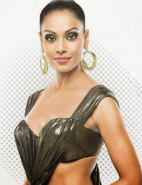 bipasha basu hot dress photos, bipasha basu hot dress hd photos, bipasha basu hot and sexy dress wallpaper free, bipasha basu hd hot dress free dowload