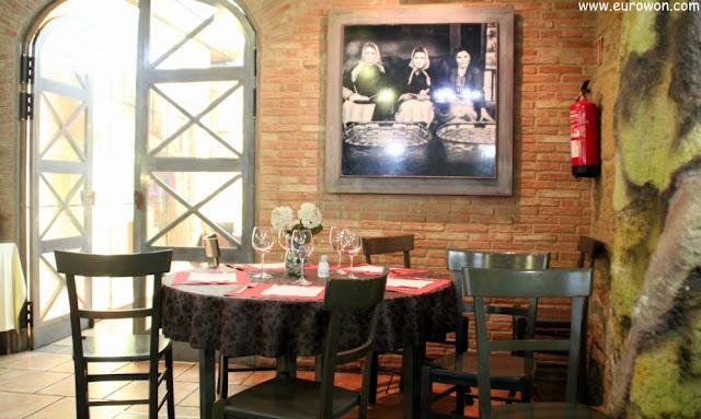 Interior del restaurante A Lonja Vella.
