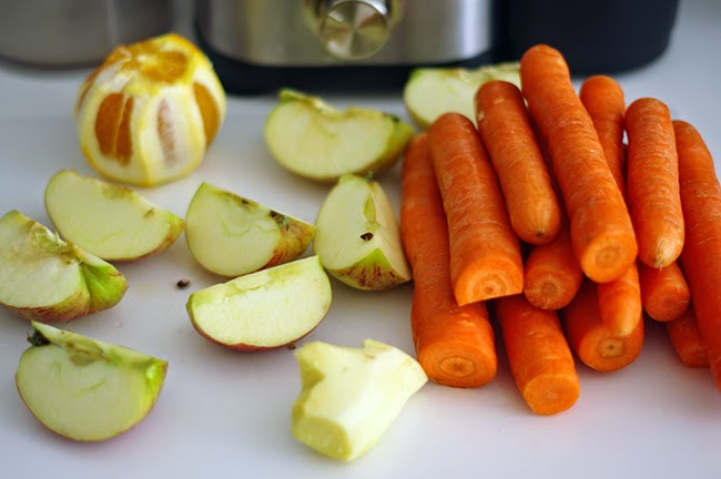 Recipe for pretty tan juice. By Xenia Kuhn for lifestyle blog www.fashionrolla.com