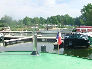 Blog de bateau-linattendu : L ' INATTENDU  :  Notre bateau de navigation intérieure, Petit Poêle à bois Wendy