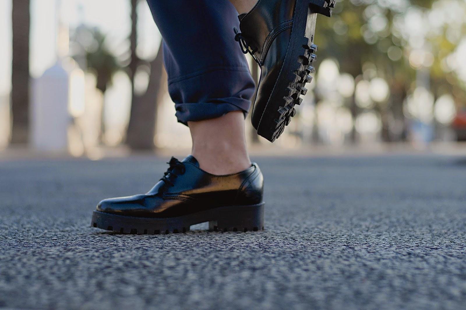 Mono Toni Francesc, bolso Zara, zapatos Urban Outfiters