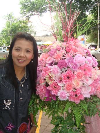 ดอกไม้สวยจังเลยจ้า