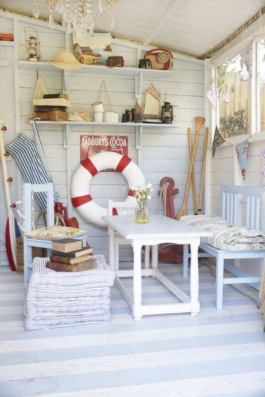 Beach huts beaches and crests on pinterest for Beach hut decor