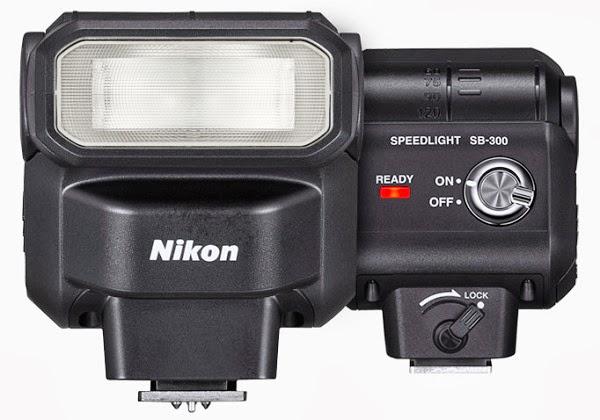 Fotografia fronte e retro del flash Nikon SB-300