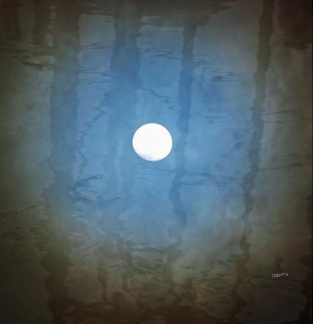 Buenas noches IV (Zarrabe) - Página 3 Lunalagua-isboutry