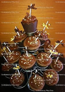 cupcakes+joana A Rainha dos chocolates em Salvador fez aniversário e quem fez os Bolos para o seu chá da tarde ?