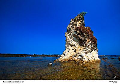 Karang Tanjung Layar pantai sarwana