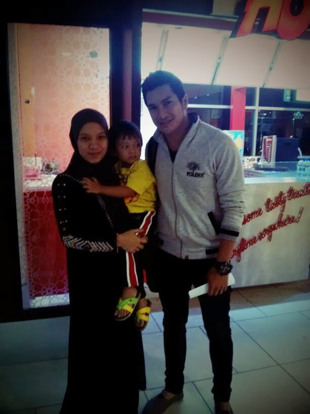 Pelakon Ariana Rose di Kelantan