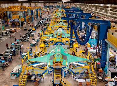 http://3.bp.blogspot.com/-D6dusjKN9D8/TxjjnYE41JI/AAAAAAAAC9I/hfTI5gPlsZA/s1600/f-35-production-facility.jpg