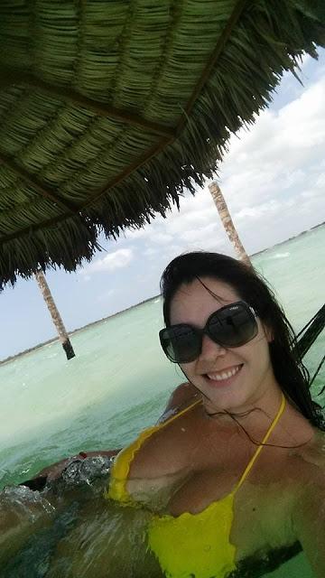 Lua de mel - Jericoacoara. Ceará, bodas de papel, 1 ano de casados, viagem, econômica, praia, sol, romântica, lagoa paraíso, vida boa, rede dentro da água