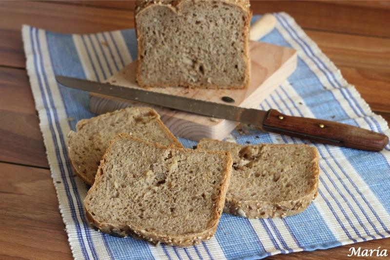Pan de centeno con semillas surtidas