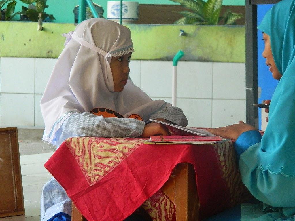 5 Tip Hemat Peralatan Sekolah Bina Amal Perlengkapan Untuk Anak Lombok Ajak Berhemat Sejak Kecil Dan Memulainya Dengan Urusan Dari Berikut Ini Bisa Anda Coba
