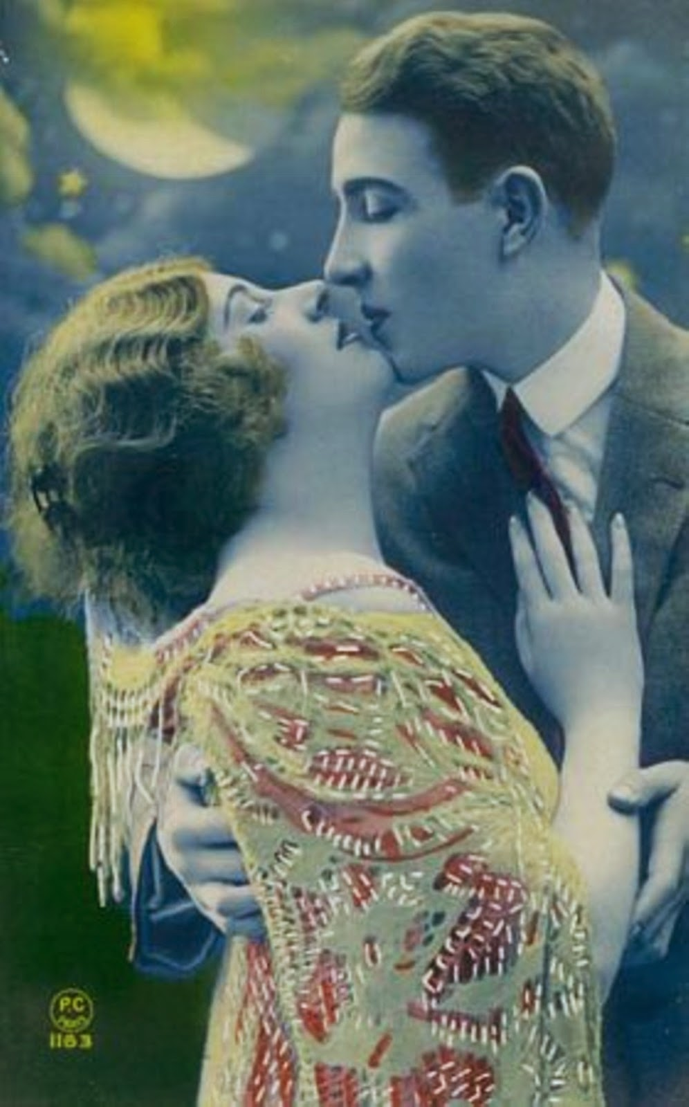 Guy friendly make up. Date make up. Vintage/retro couple kissing from the 1920s