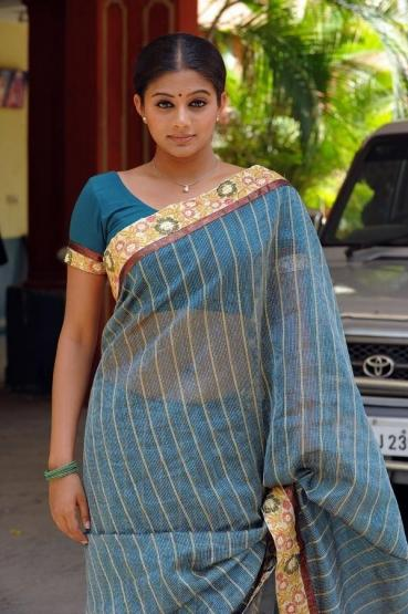 Priyamani Spicy Saree Stills Hot