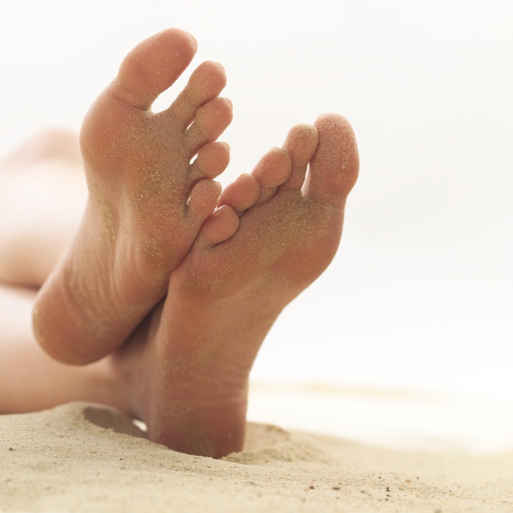 Потные женские ножки фото 15 фотография