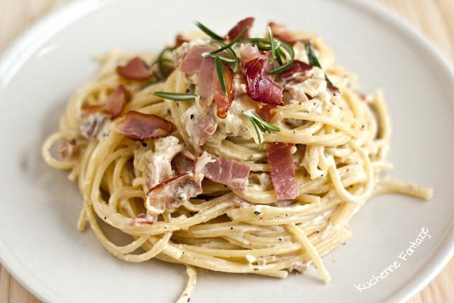 przepis, spaghetti, carbonara, makaron, sos carbonara, czosnek, szalotka, śmietana, jajka, wino, parmezan, szynka szwarcwaldzka