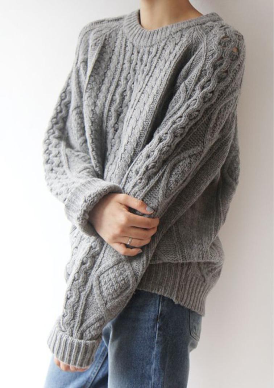 Oversized grey chunky knit sweater, boyfriend jeans