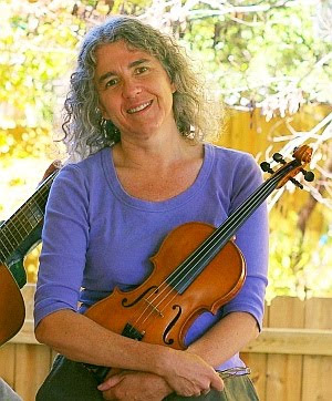 Jane Peppler vocal instructor and fiddle teacher at PicknBow folk music week