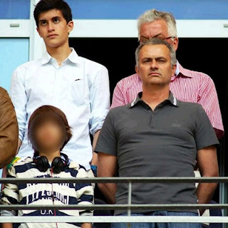 Mourinho with his son in Hamburg to see Lucas Moura