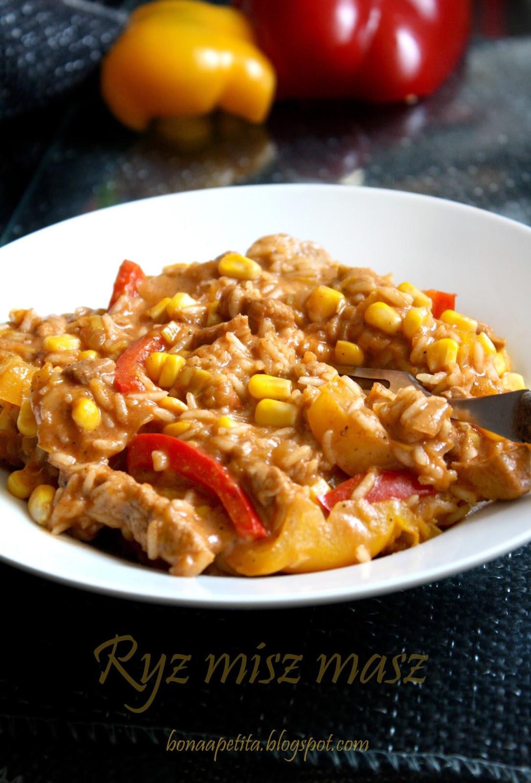Ryż misz masz -  czyli ryż z mięsem, słodka papryką i kukurydzą