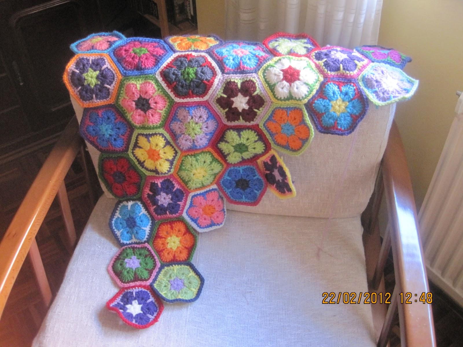 Mis perendengues: Cómo unir flores africanas/hexágonos