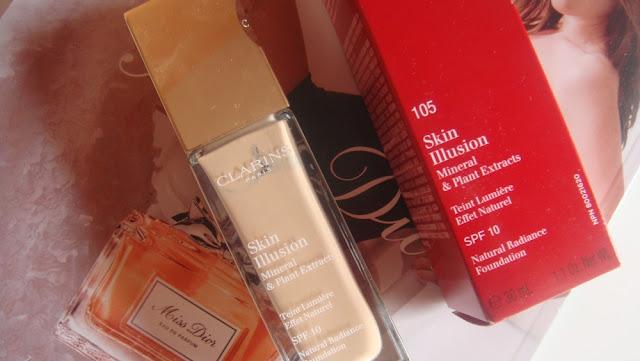 Clarins Skin Illusion, podkład dający efekt 'drugiej skóry', SPF 15