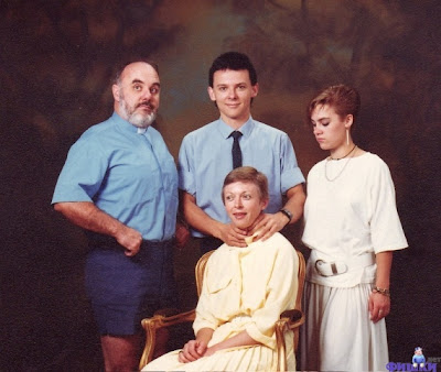 Funny Family Pictures Wallpaper Photos Pics Images 2013