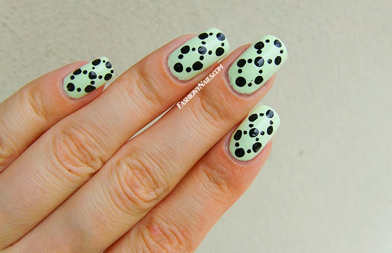 Easy Dotted Nail Design