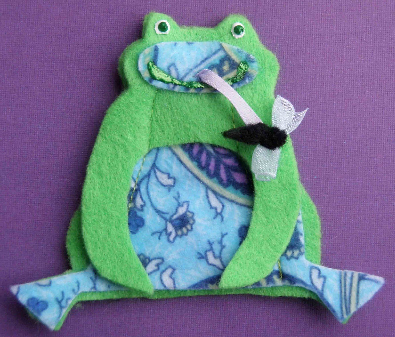 Crack of Dawn Crafts: Frog Felt Finger Puppets