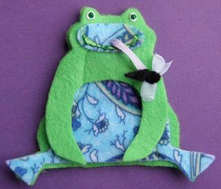 Crack of dawn crafts frog felt finger puppets for Frog finger puppet template