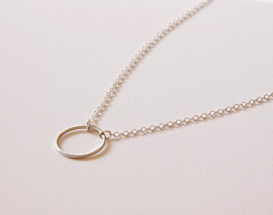 Sybille-collar-circulo-plata