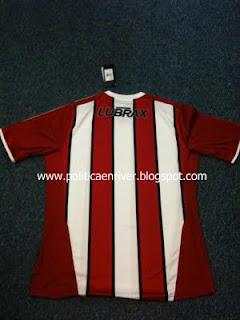 Nueva camiseta River Plate tricolor alternativa 2011-2012 de atras
