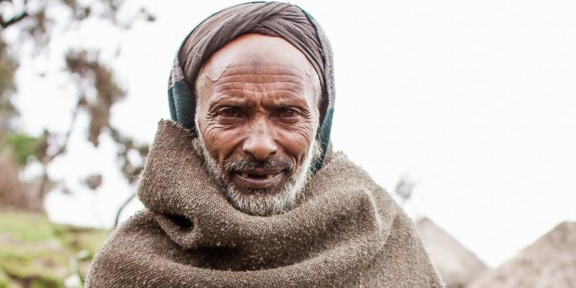 Amhara földműves. Szemien-hegység, Etiópia.