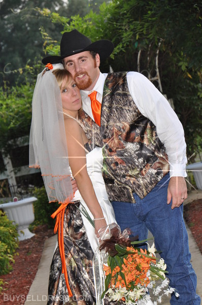 Camo wedding dress unique bride