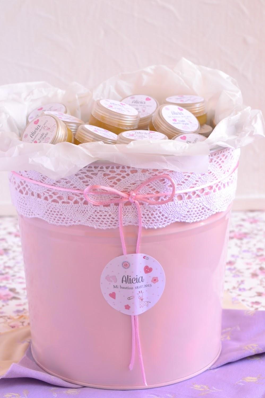 detalles para bautizos cesta con balsamos personalizados